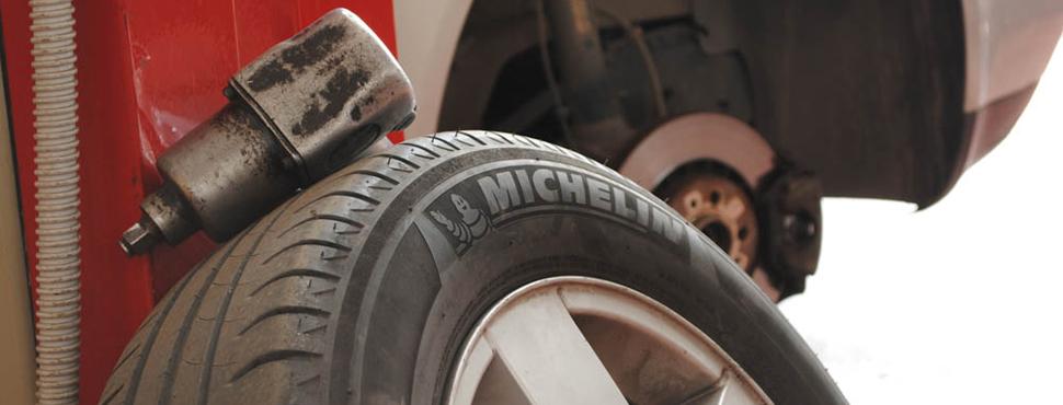 Apulia Motor Service è un Centro autorizzato per le Revisioni con servizi specifici di riparazione e manutenzione per auto e moto